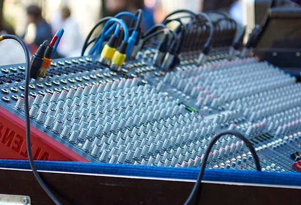Remote Control Arranging Sound Complete Configurin