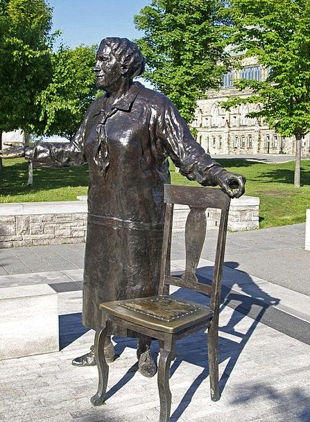Statue Figurine Fashion Metallic Beauty Bronze Met