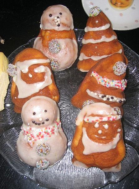 Christmas Pastries Pies Snow Man Cake Bar Nicholas