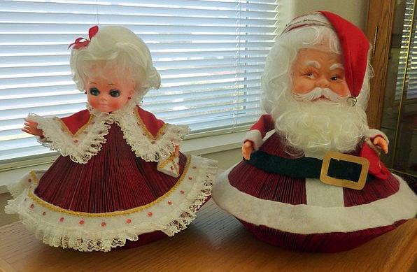 Santa Holidays Breaks Claus Readers Digest Red Blo