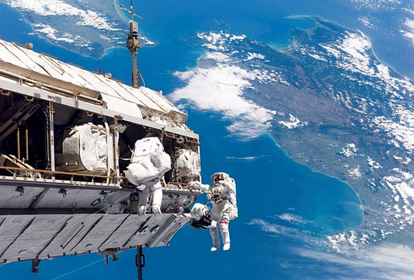 Space Walk Cosmonaut Nasa Astronaut Aerospace Atmo