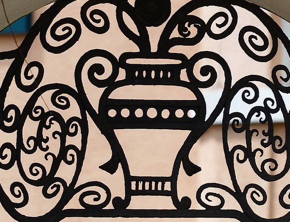 Iron Railings Network Forged Fake Grid Vase Urn Ornament