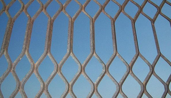 Iron Firm Shaped Mesh Net Wrought Welded Fused Fen