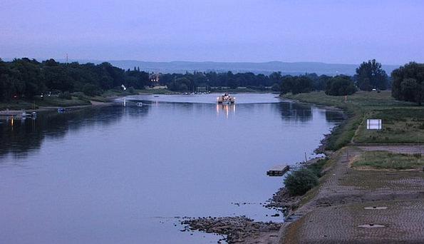 Dresden River Stream Elbe Bridge Blue Wonder Steam