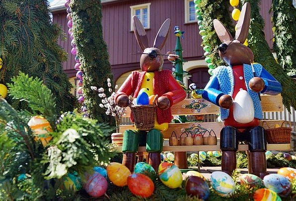 Easter Painting Image Wooden Figures