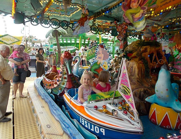 Fair Reasonable Merry-go-round Year Market Carouse