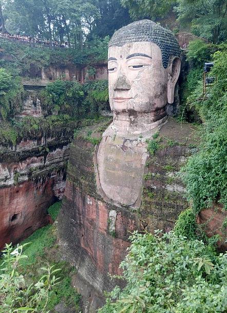 Big Buddha Leshan Leshan Battle Road