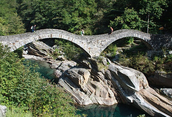 Valle Verzasca Lavertezzo Verzasca Diving Ticino T