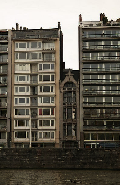 Liege Families Liège Homes Cramped Architectural T