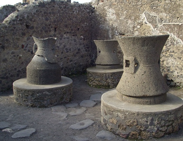 Pots Containers Old Ancient Vessels Pompeii Naples