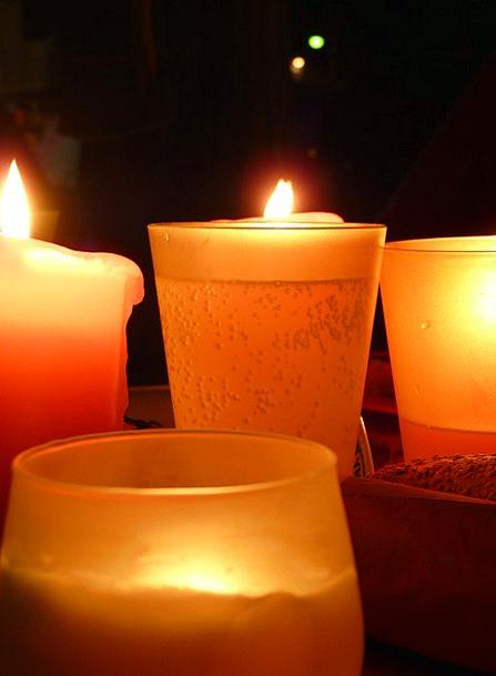 Candlelight Lowlight Latin-based Windlight Romance