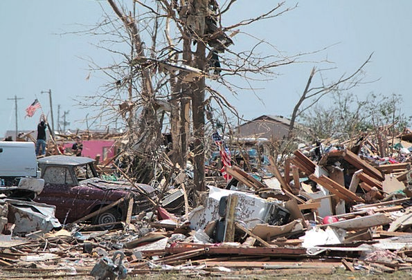 Moore Tornado Cyclone Oklahoma Disaster Tragedy De