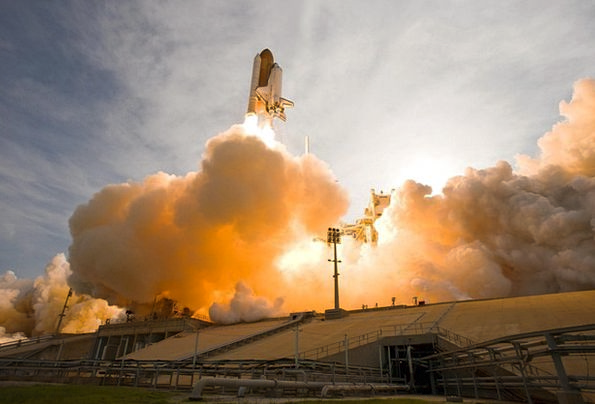 Space Shuttle Space capsule Liftoff Takeoff Lift-O