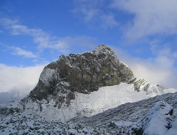 Massif Chain Mountains Crags Walser Trail Snow Sno