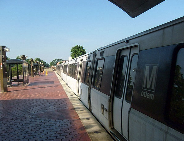 Metro Traffic Underpass Transportation Train Pullm