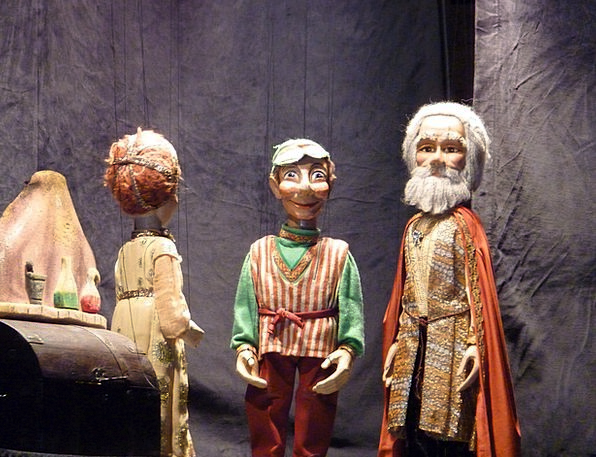 Marionettes Puppets Drama Theater Playhouse Theatr