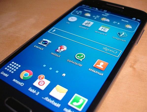 Smartphone Communication Computer Galaxy S4 Mini S