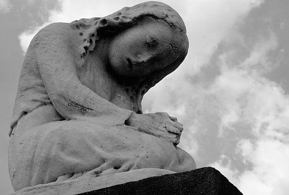 Statue Figurine Requesting Kneeling Genuflection P