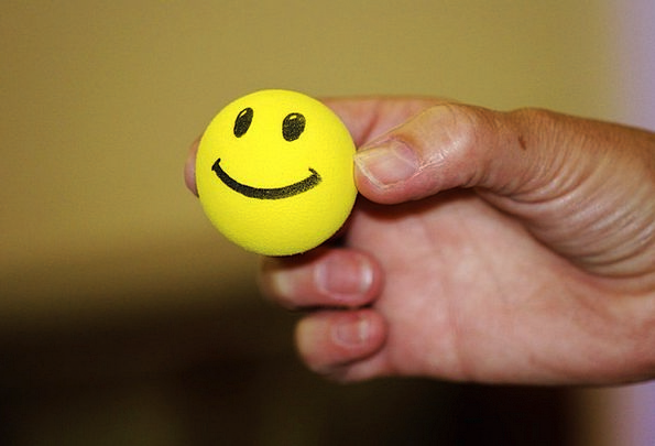 Smiley Smiling Sphere Laughing Face Ball Yellow Cr