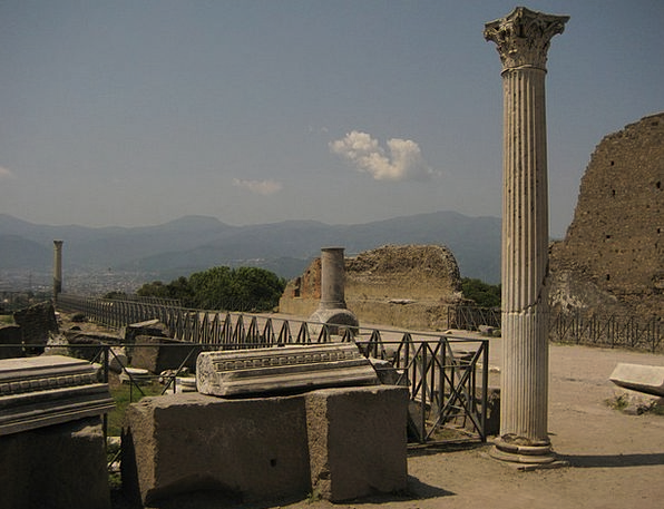 Pompeii Statue Figurine Columnar Naples Vesuvius A