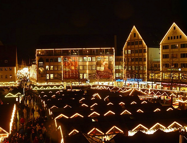 Christmas Market Buildings Architecture Lights Ill