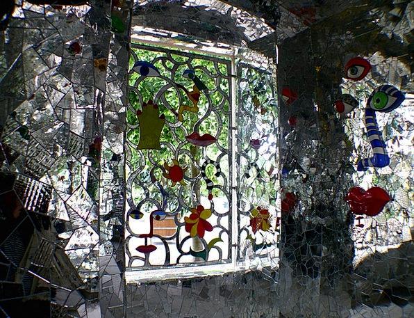 Window Gap Cut-glass Colorful Interesting Glass Mo