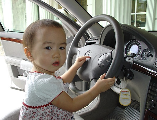 Child Youngster Carriage Thailand Car Asia Driving
