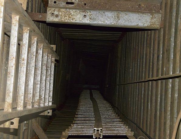 Head Skull Chute Pit Cave Shaft Risk Speleology Di