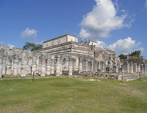 Mexico Columns Pillars Chichén Itzá Temple Shrine