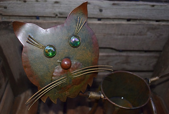 Decorative Ornamental Feline Iron Firm Cat Can Con
