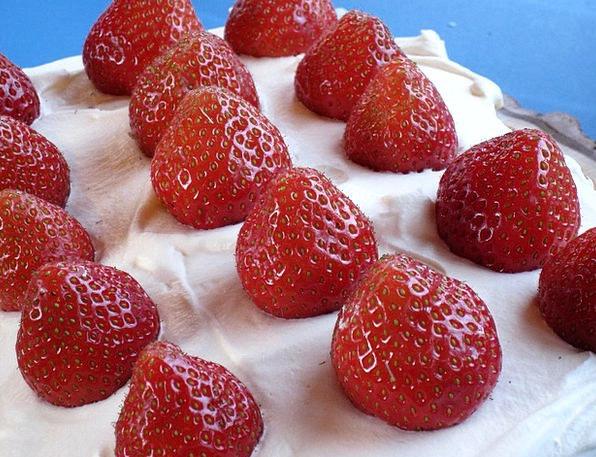 Cake Bar Drink Food Cream Ointment Strawberries Su