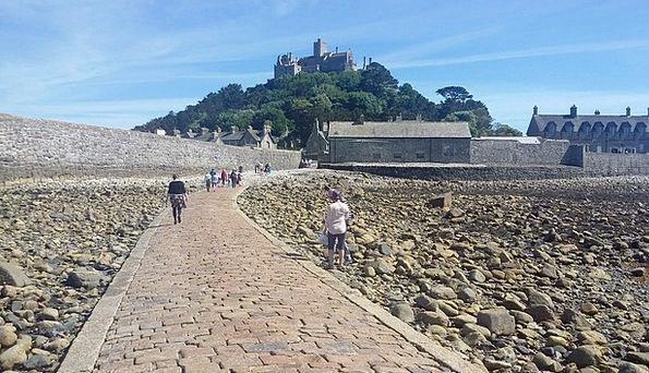 St Michels Mount Receding tide Walk Gait Ebb Cornw