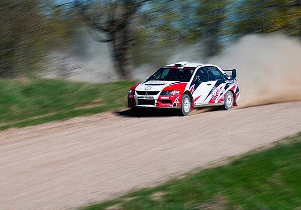 Racing Competing Traffic Powder Transportation Roa