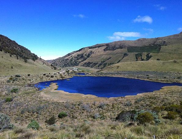 Black Lagoon Freshwater Laguna Lake Sky Blue Moor