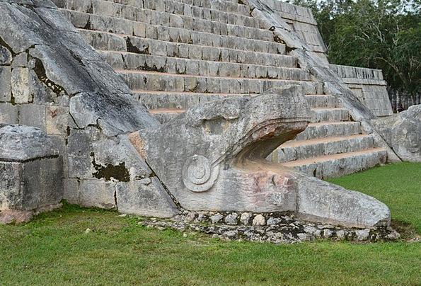 Chichen Itza Shrine Ruinas Temple Mexico Maia Yuca