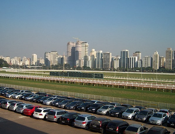 Jockey Club Parking Lot Sao Paulo Skyline Rent A C