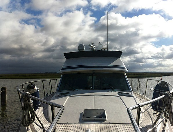 Yacht Ship Vessel Suitable For Offshore Radio Wate