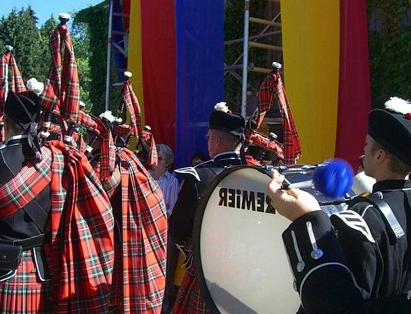 Kilt Skirt Bagpiper Good Luck Bag Drummer Percussi