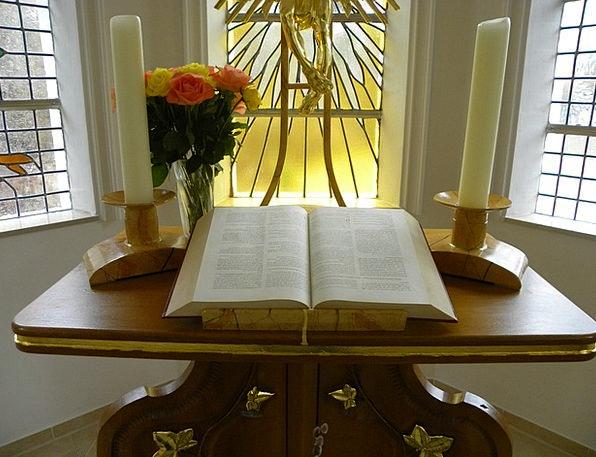how to build a prayer altar