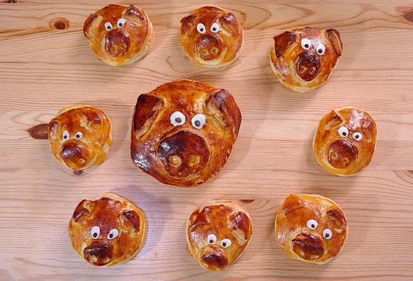 Piglet Pies Pig Family Pastries Sow Family Domesti