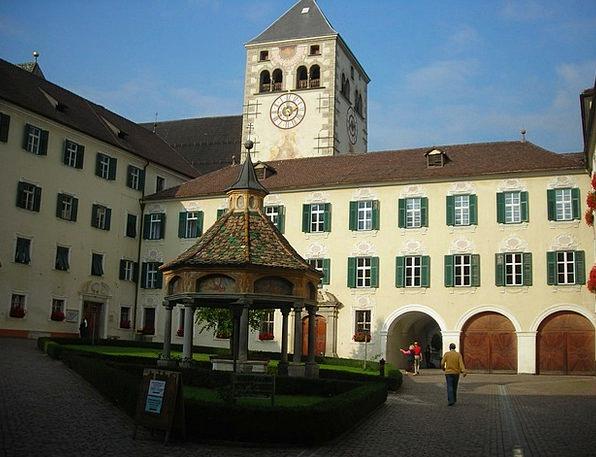Cloister Bolzano Monastery Square Four-sided