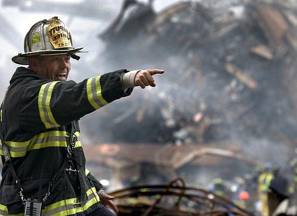 Fireman Rubble Debris Firefighter 9 11 Disaster Te