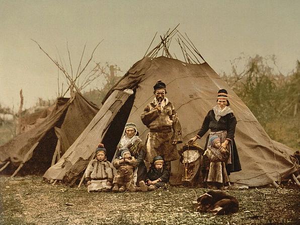 Family Domestic Cloth Sami Rag Lapland Native Amer