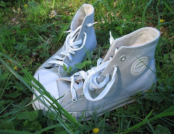 Boots Gumboots Straw-hat Grass Lawn Summer Green L