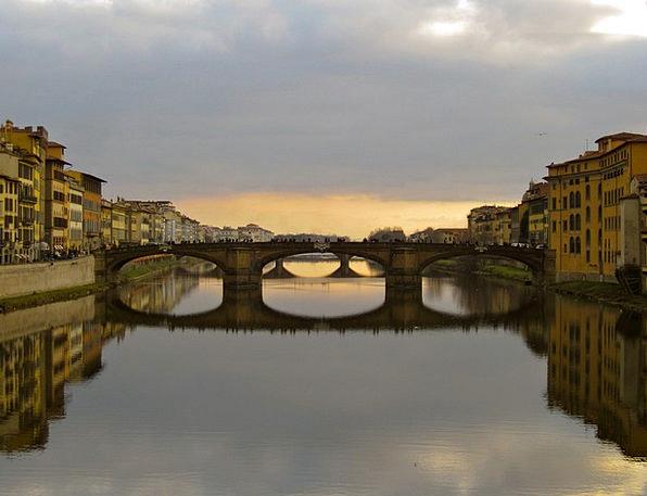 Ponta Santa Trinita Italy Florence Arno River Brid