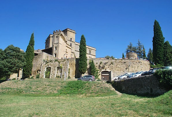 Lourmarin Fortress Provence Castle