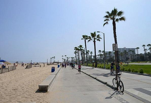 California Walkway Stand Attitude Promenade Sun Pa