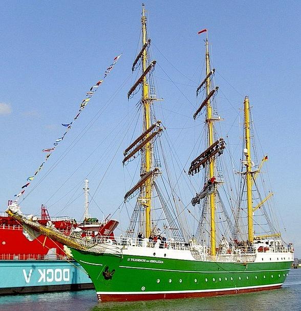 Germany Landscapes Nature Port Bremerhaven Colorfu