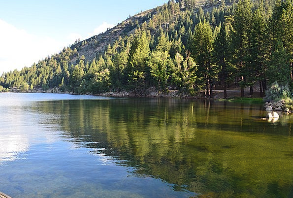 Mountain Crag Landscapes Freshwater Nature Sierra