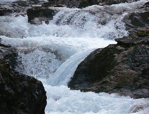 Water Aquatic Hum Bach Murmur Waterfall Cascade Bu